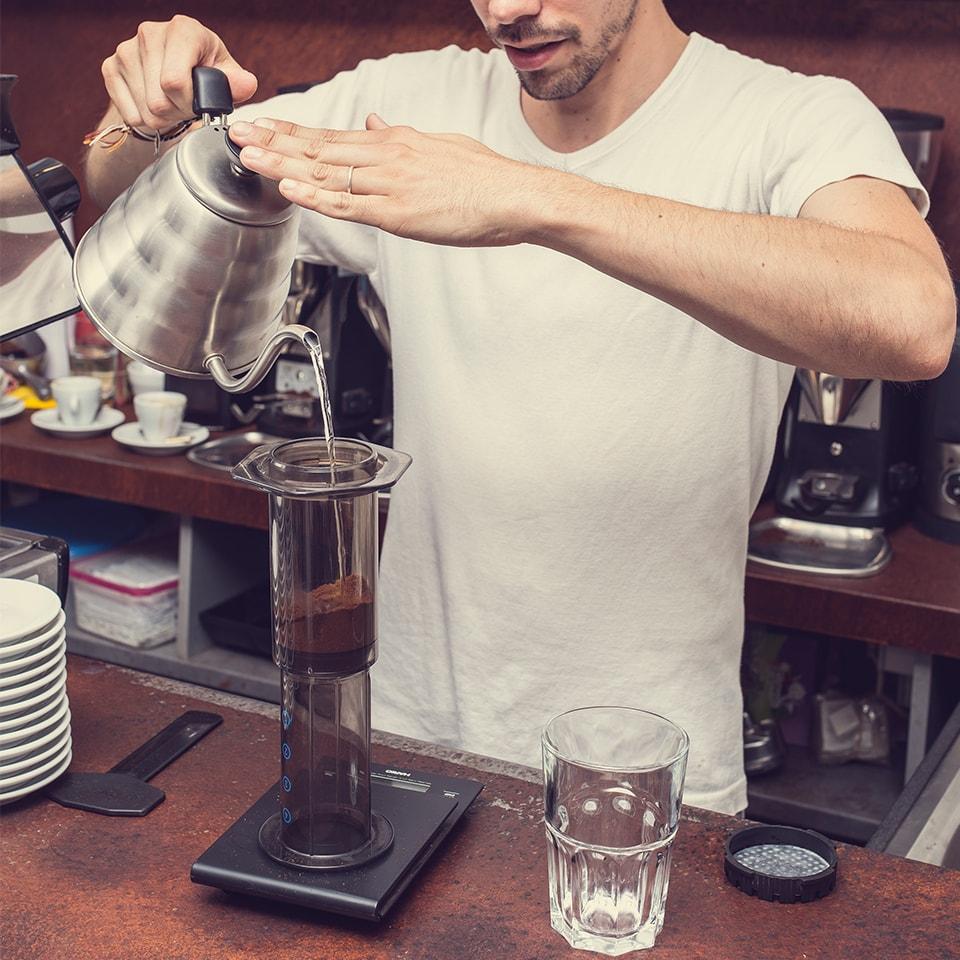 Anbassa-artisan-torrefacteur-preparer-son-cafe-aeropress-slide-7-2