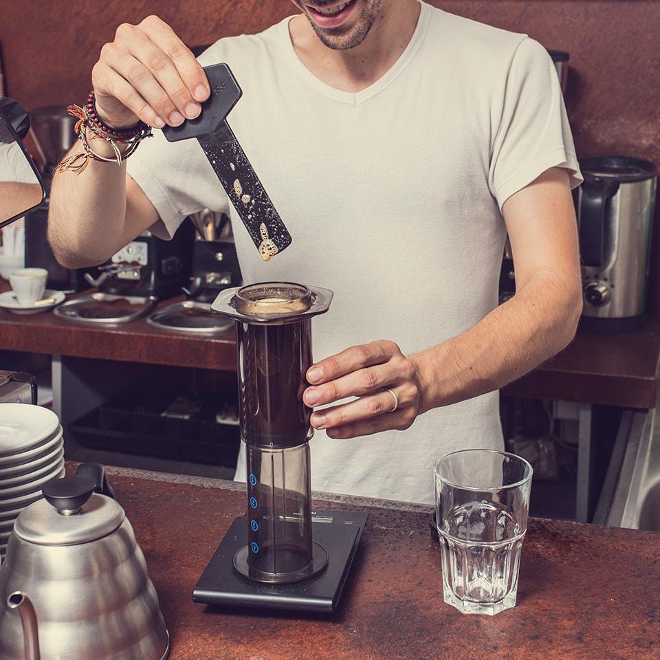 Anbassa-artisan-torrefacteur-preparer-son-cafe-aeropress-slide-7-3