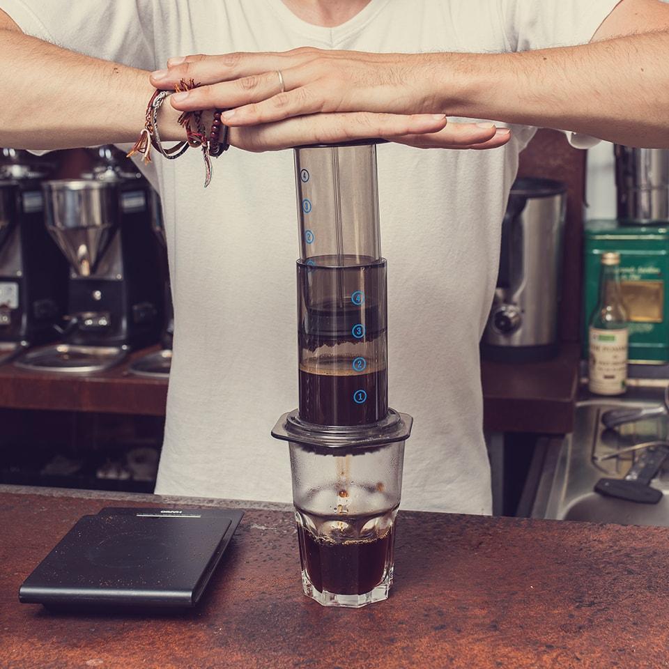 Anbassa-artisan-torrefacteur-preparer-son-cafe-aeropress-slide-7-5