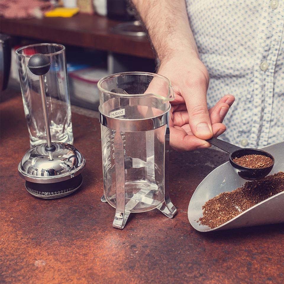 Anbassa-artisan-torrefacteur-preparer-son-cafe-cafetiere-a-piston-slide-6-1