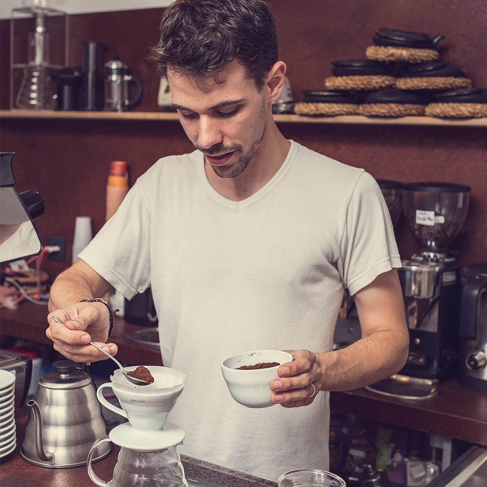 Anbassa-artisan-torrefacteur-preparer-son-cafe-filtre-slide-3-1