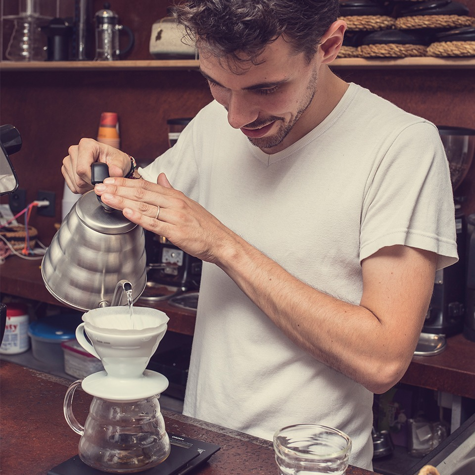 Anbassa-artisan-torrefacteur-preparer-son-cafe-filtre-slide-3-2