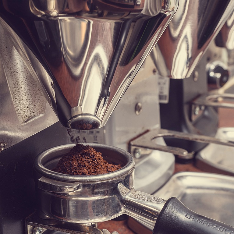 Anbassa-artisan-torrefacteur-preparer-son-cafe-sinformer